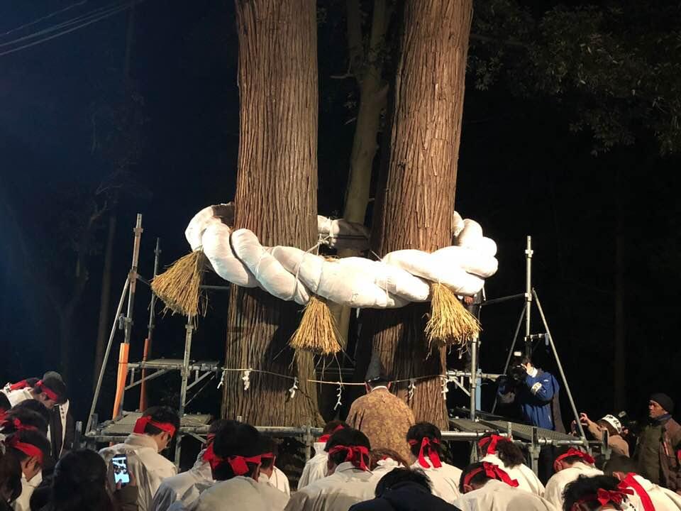 42歳厄年男衆による壮大な厄除け、蔵王町の刈田嶺神社暁祭り!