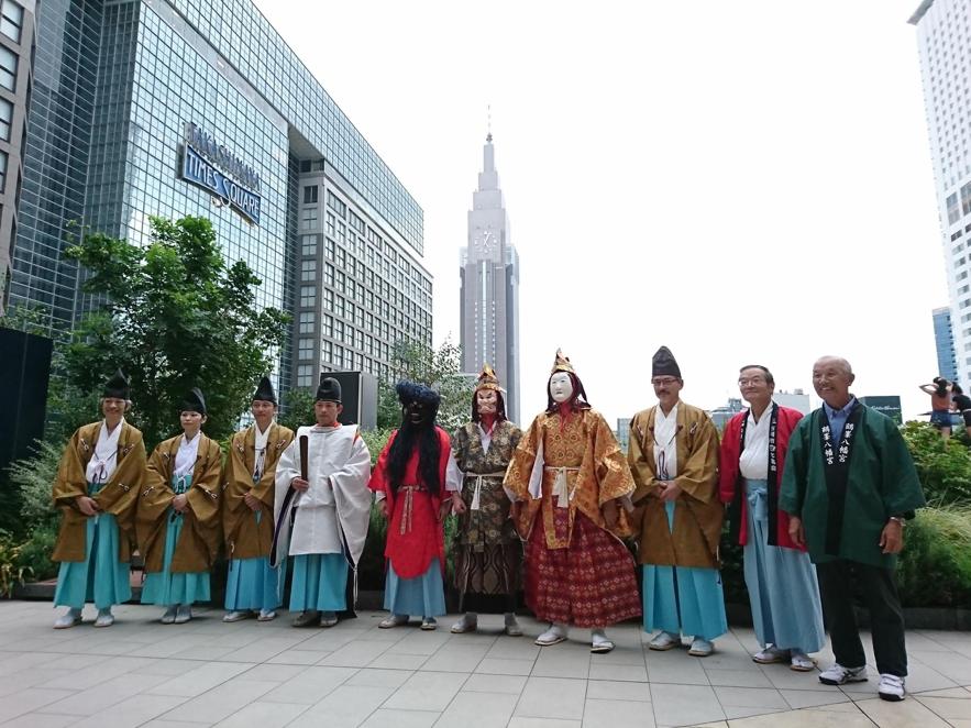 新宿駅で伝統文化ライブを開催!改札出てすぐの「ペンギン広場」に茨城伝統の音が鳴る!