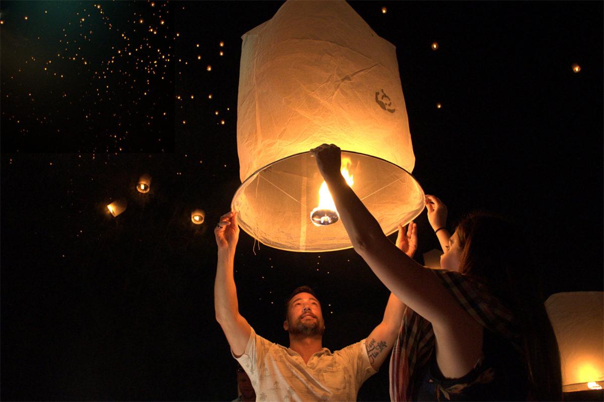 【コムローイ】スカイランタンが宙を舞う!タイ・チェンマイのイーペンランナーインターナショナル会場内レポート