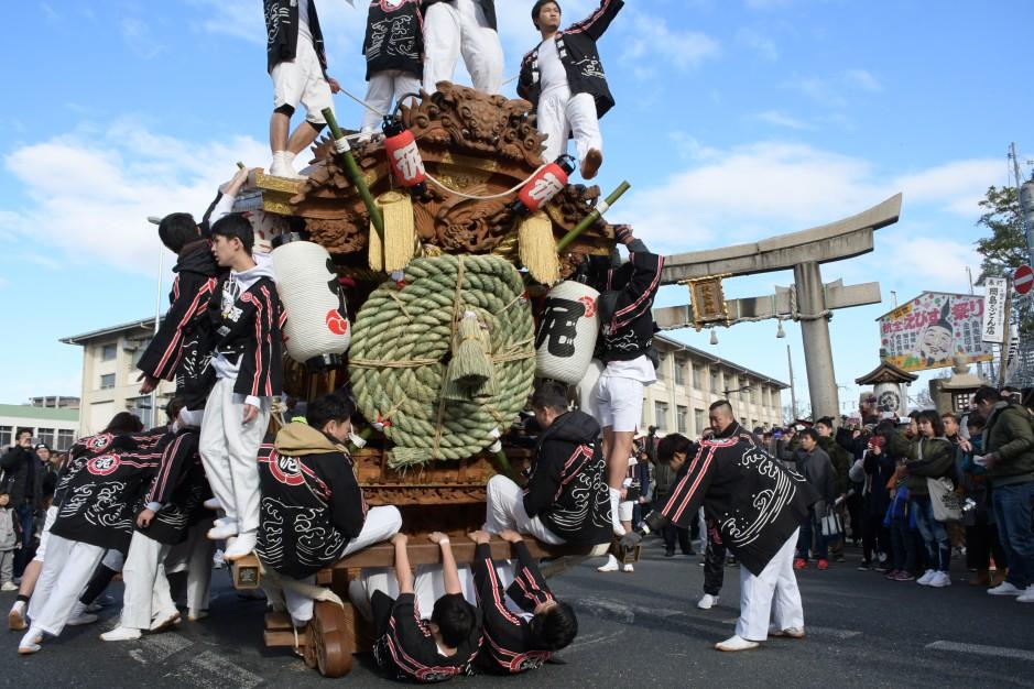 新年から熱い!大阪・杭全神社のだんじり注連縄上げ【写真レポート】