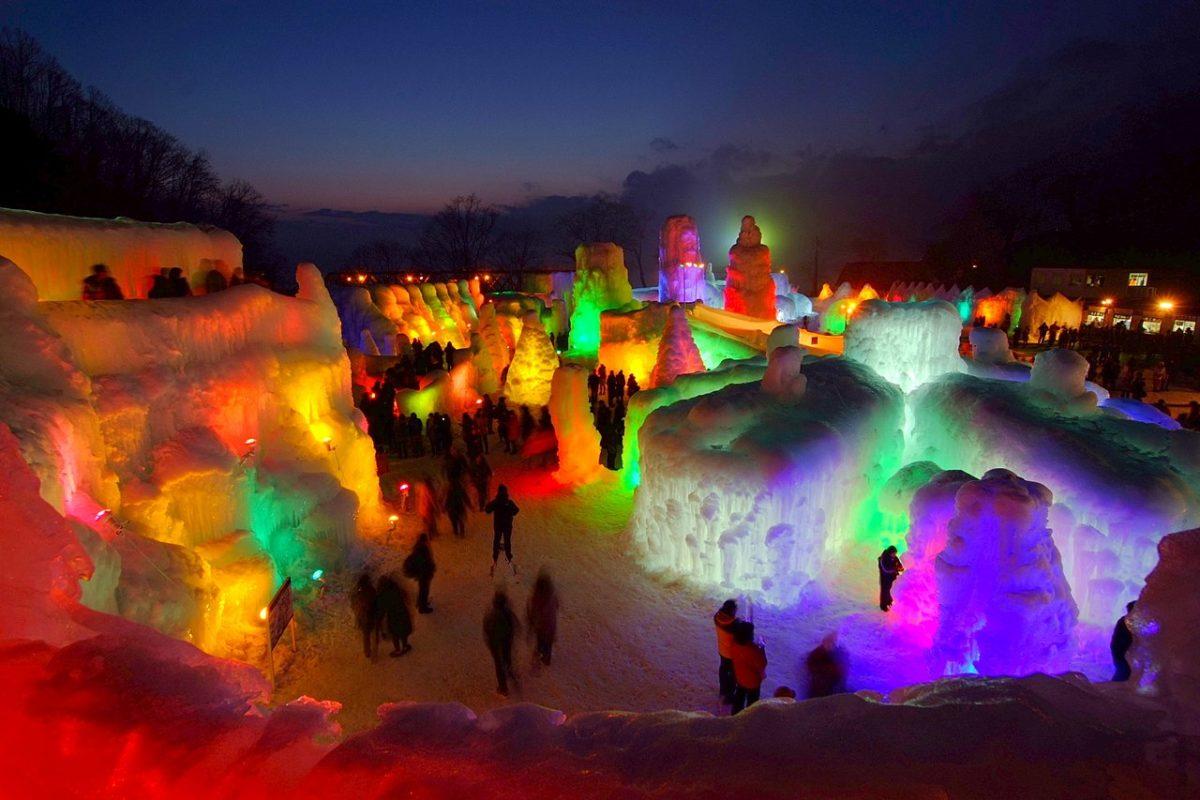 北の大地に広がる幻想世界。支笏湖氷濤祭り2019のインスタグラム・ツイッターをまとめました!