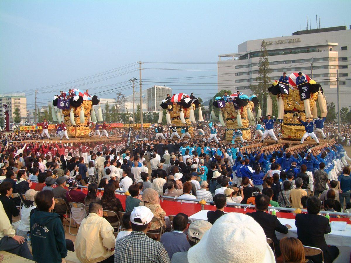 新居浜太鼓祭り あかがねミュージアムの太鼓台入れ替えの様子がSNSで話題