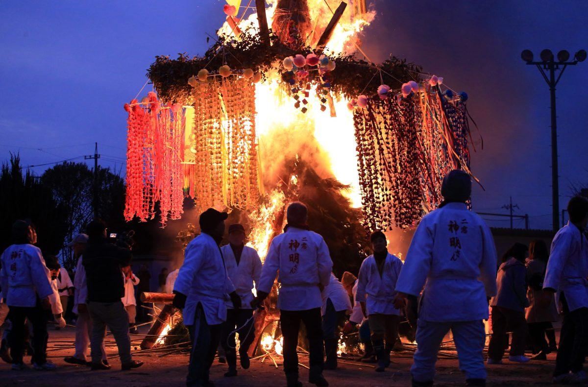 二窓の神明祭@広島県竹原市をレポート・・あなたは炎を見つめて何想う
