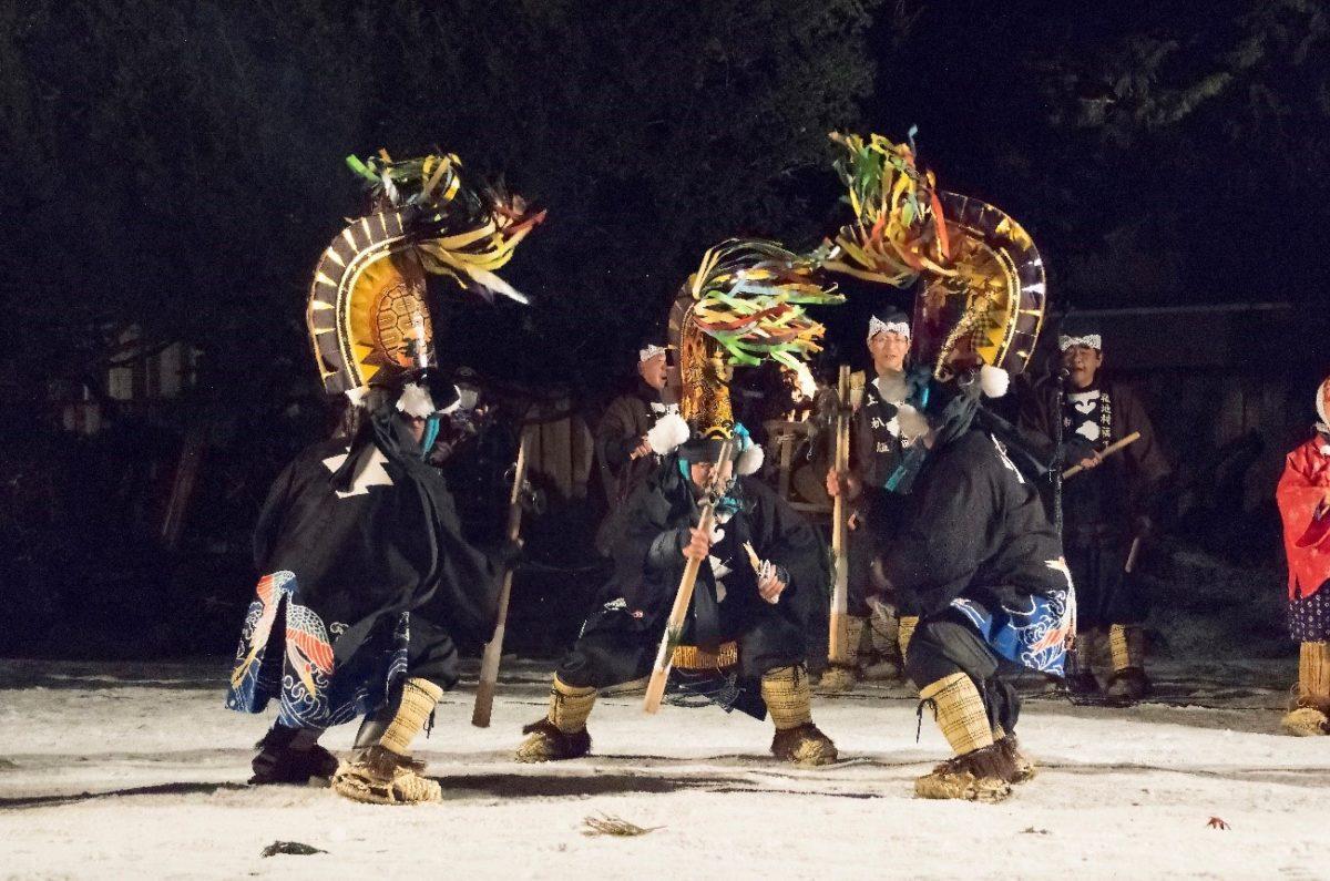 八戸えんぶりで春を待ち焦がれる東北に思いを寄せる。厳冬の青森で行われるこの祭りの意味とは?