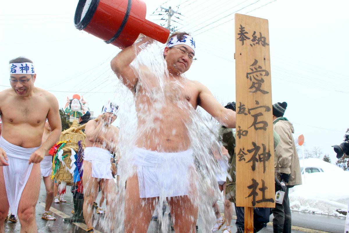 横手の極寒雪中裸水祭り!!秋田県横手市より「梨木の水かぶり」をレポート