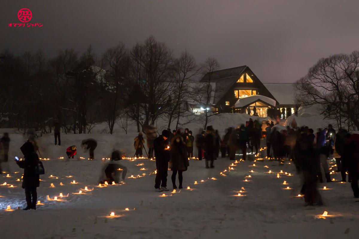 3,000本のキャンドルと花火が雪原に灯る。五色沼でも有名な観光名所!裏磐梯雪まつりをご紹介。