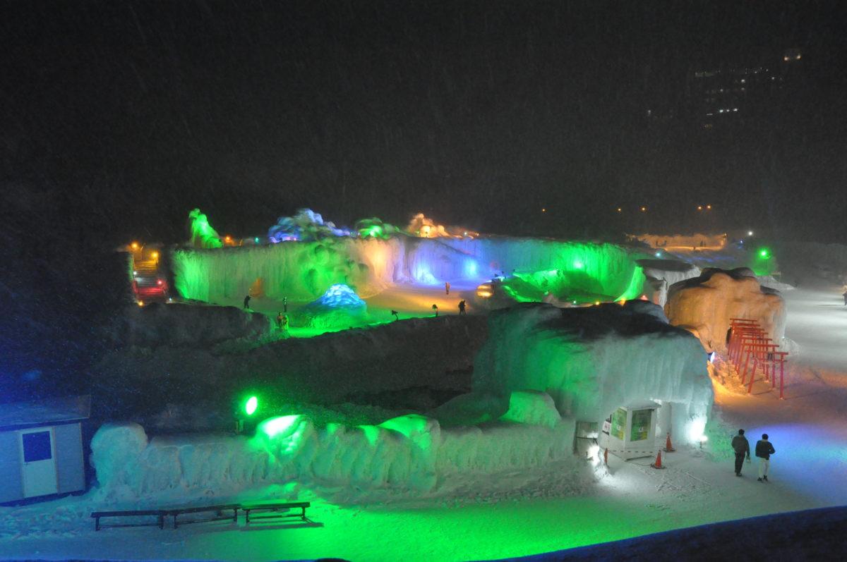 北海道、層雲峡での氷瀑まつり!見所を服装やグルメと共に解説!最強寒波が迫る中の現地レポート!
