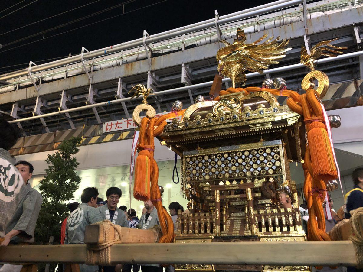 神田駅構内にお神輿が突入!?神田駅開業100周年を記念した神輿渡御が行われました!