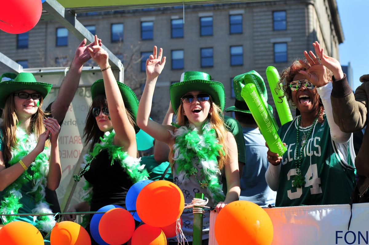 聖パトリックデー!アイルランド発、世界が緑に染まる日。日本での楽しみ方も