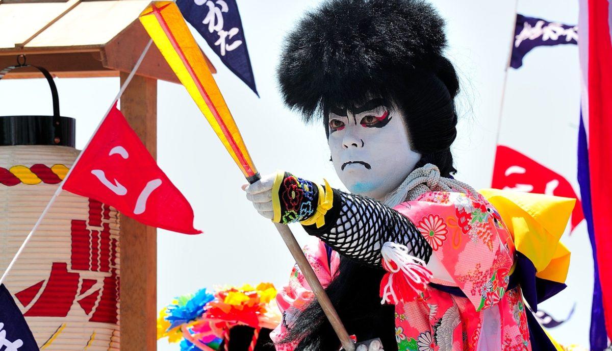 ホーランエンヤ 10年に一度の日本三大船神事、大絵巻・櫂伝馬船団を見逃すな!