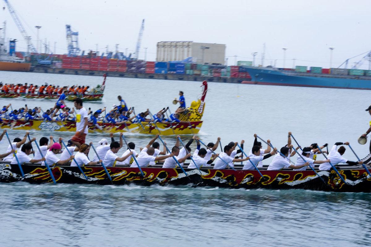 沖縄を熱くする那覇ハーリー!ただのレースではない、その魅力とは?