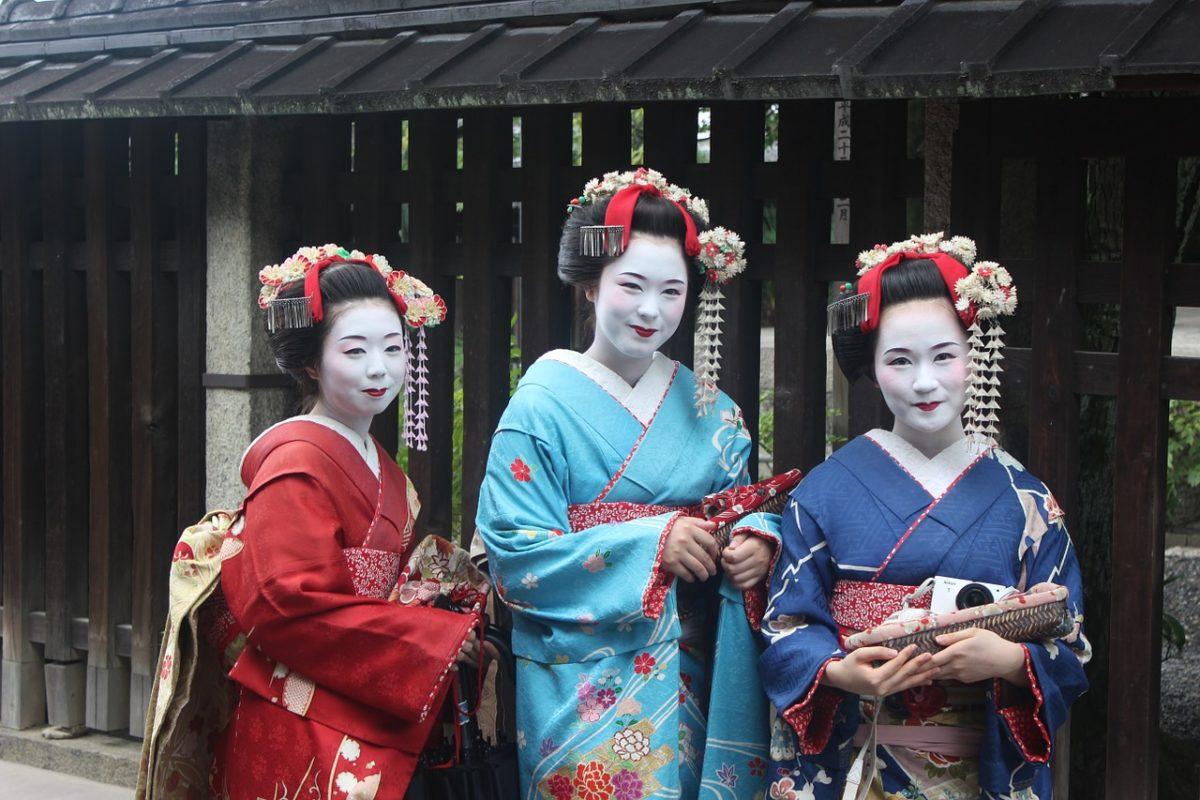 春の京都ではんなり舞踊鑑賞♪舞妓・芸妓の祭典「都をどり」を楽しむSNS映え投稿まとめ
