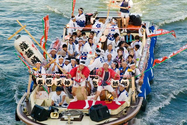 天神祭に行ったら見逃せない!「船渡御」と「奉納花火大会」をご紹介!