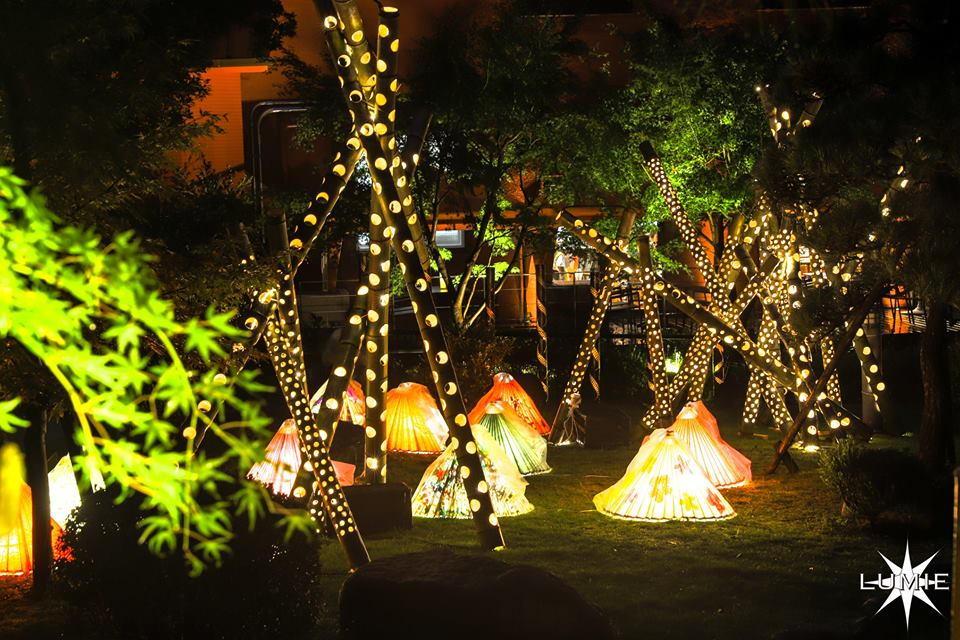 【灯りの祭典】湯河原温泉の竹灯籠と花火の夜。今年は2日間開催-2019年9月27日(金)~28日(土)