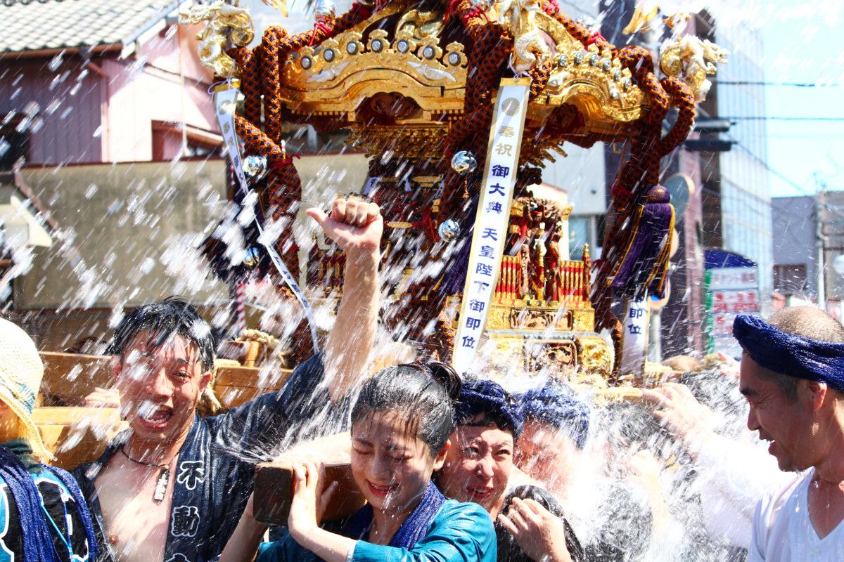 八重垣神社祇園祭で水を被って夏を堪能しよう!水を掛けられまくるお神輿は必見!