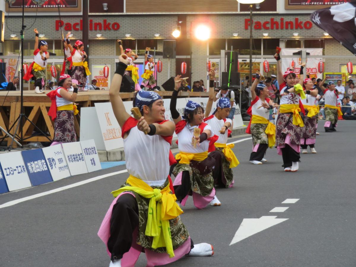 「草加よさこいサンバフェスティバル」、僅か数百メートルの通りで2種類の踊りが楽しめる