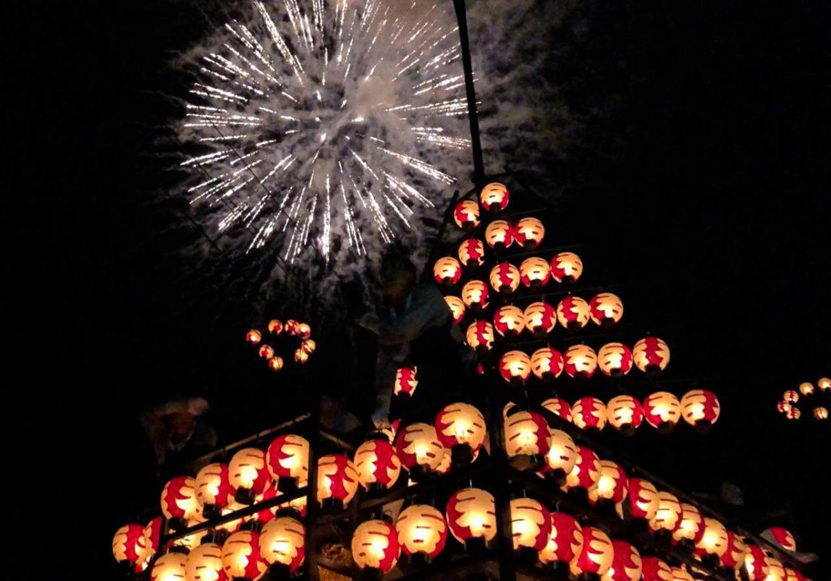 二本松のちょうちん祭りで味わう!情緒溢れる秋夜に浮かぶ紅提灯