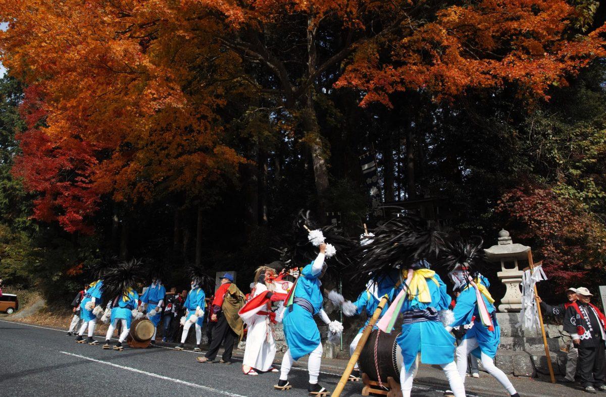 「渡り拍子」をレポート!!岡山県無形民俗文化財の闘鶏楽起源の跳ね踊り♪