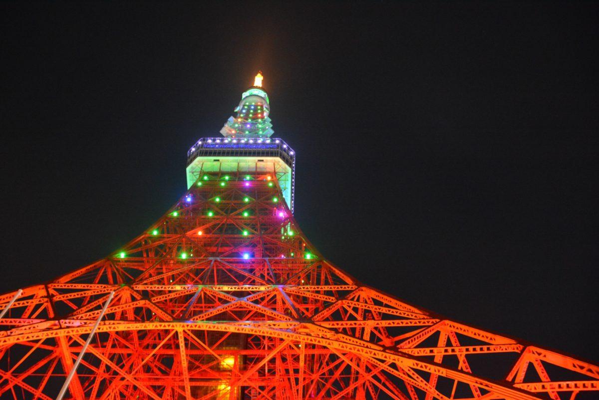 「東京タワーウィンターファンタジー」東京タワーのライトアップにコラボする、キャンドルタワーのイルミネーション