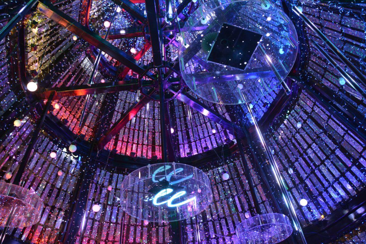 「日比谷マジックタイム・イルミネーション」のスターライトツリーで宇宙船を体感