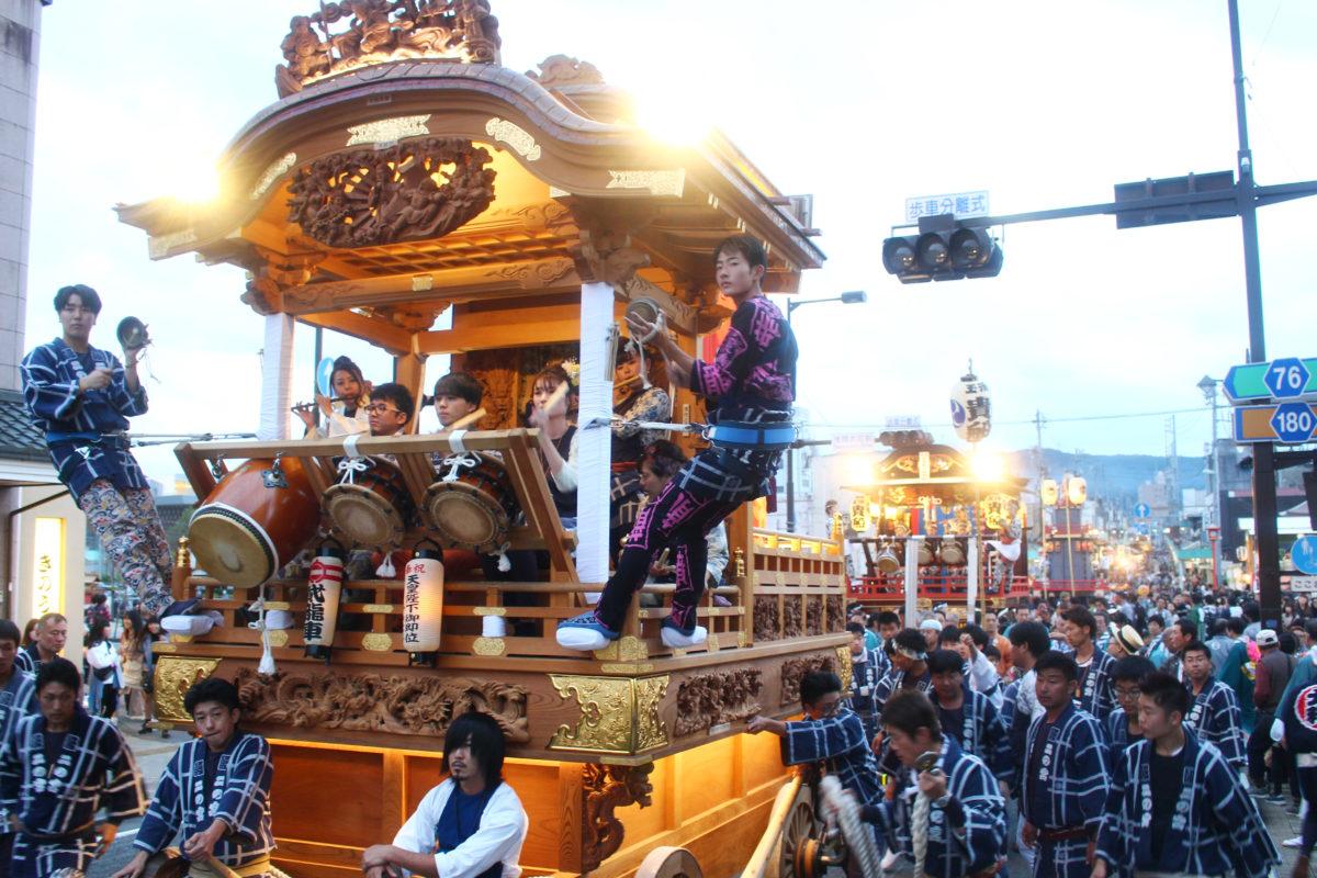 富士宮まつりと言えば、けんか囃子と競り合い!山車・屋台が接近して魅せ合う様子に興奮