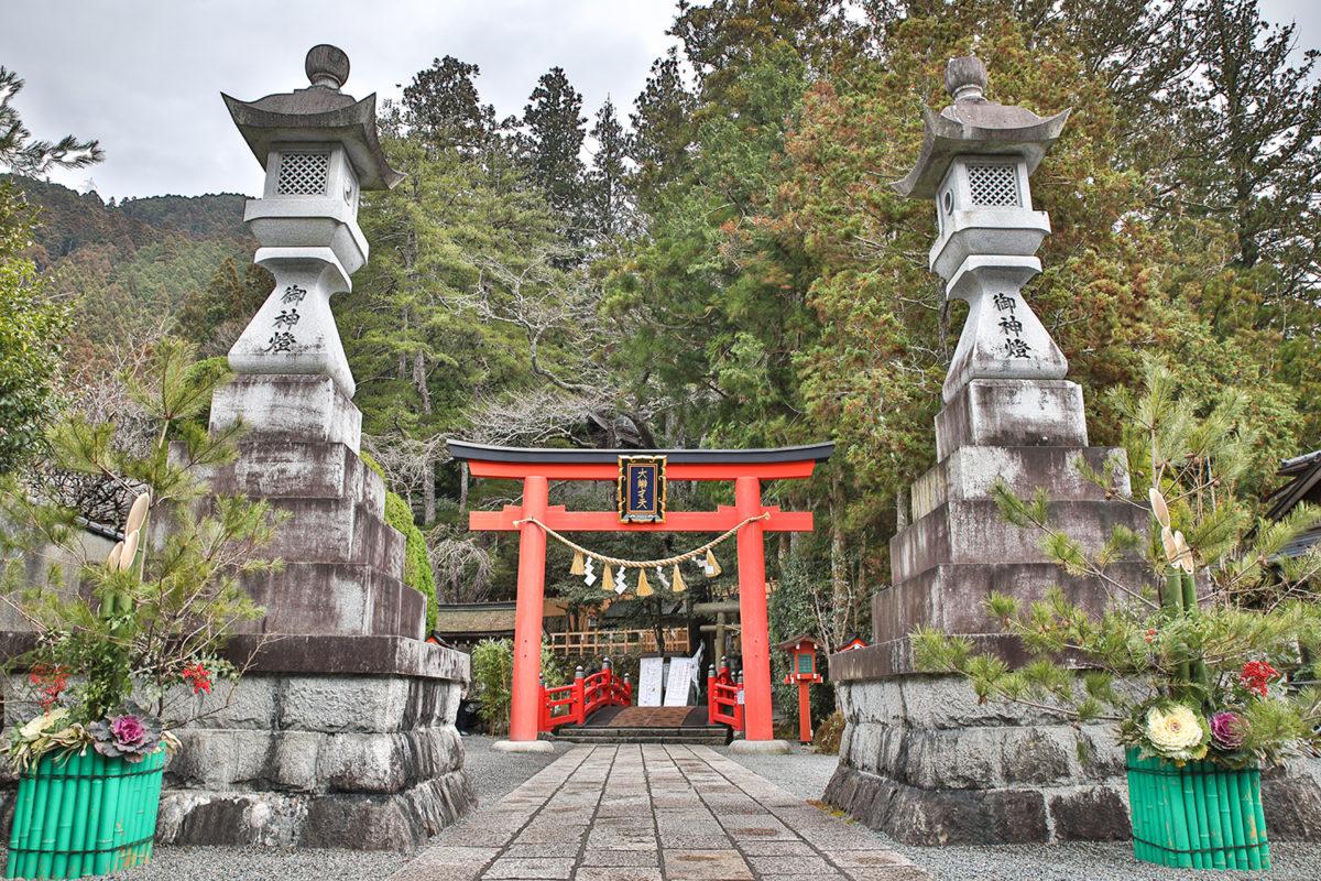 天河大辨財天社「松囃神事」神様に呼ばれる神社に初詣!