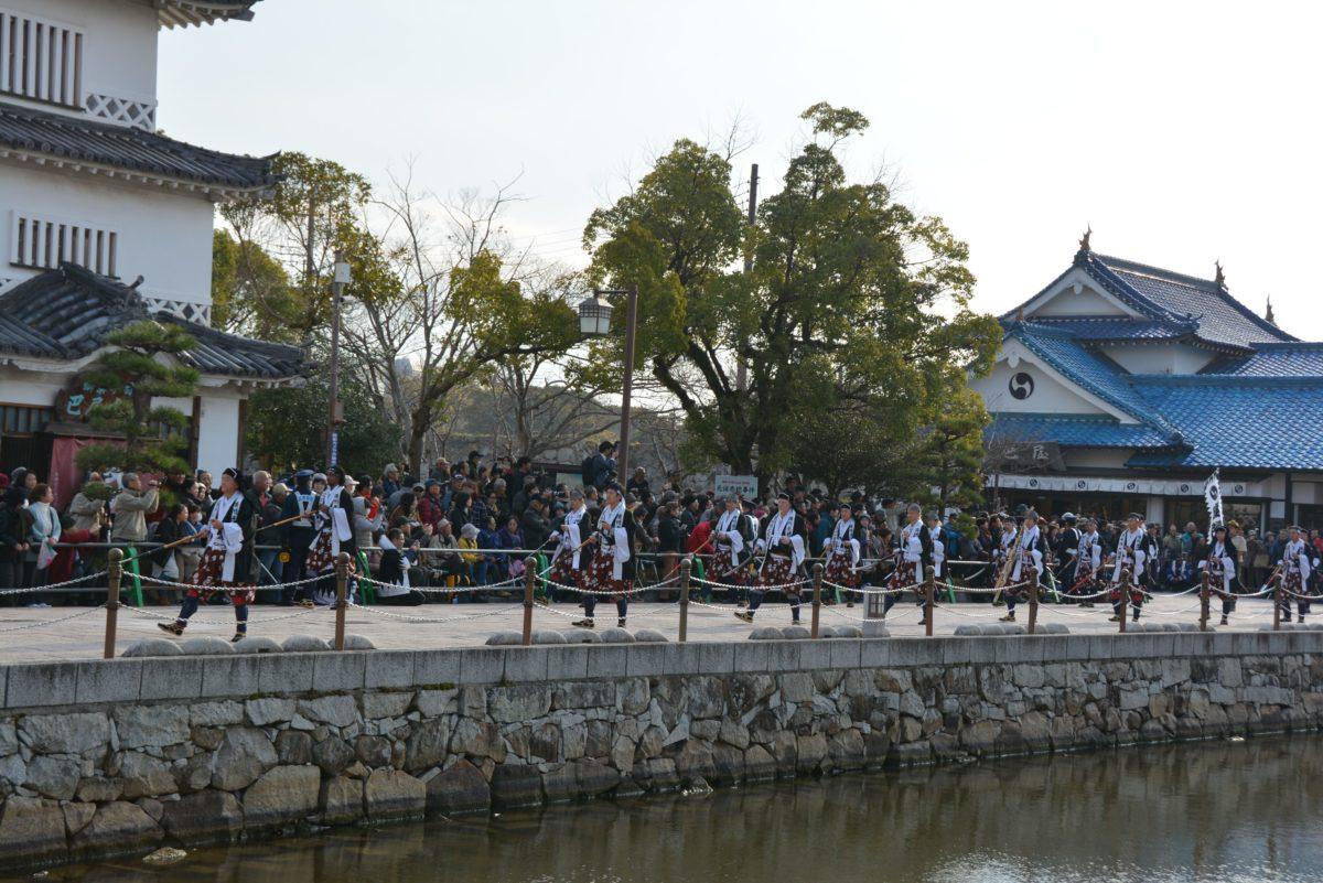 「赤穂義士祭」1903年から毎年12月14日に赤穂市街に染み渡る元禄ムード