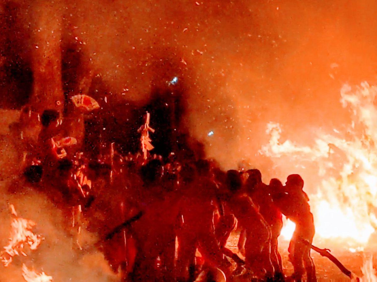 勝部の火まつり!滋賀県の奇祭で、炎の中に勇壮な近江男児をみた!