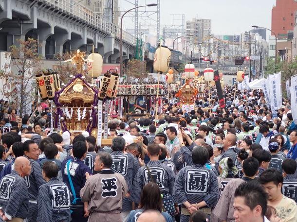 東京2020公認プログラム「神輿連合渡御」の様子を撮影した 『― 舞い上がれ令和 ― 神輿連合渡御写真展』  2月1日(土)~2月11日(火・祝)に開催