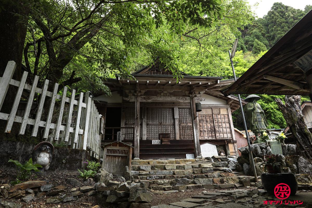 【しぐれ桜法要】良い人だけが辿り着ける極楽の寺「月輪寺」