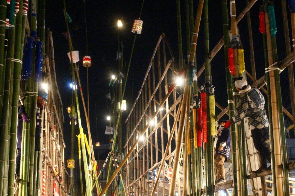 「古河提灯竿もみまつり」提灯が夜空を荒れ舞う奇祭 観光経済新聞