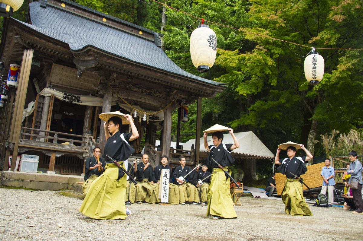 九州から伝わった哀愁の物語:民謡「麦屋節」の歴史に迫る!