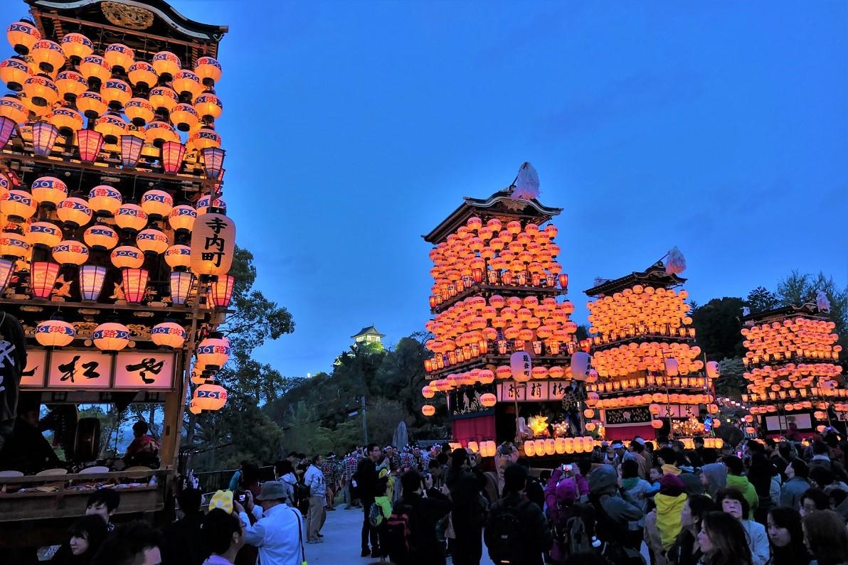 「犬山祭」桜と国宝天守を照らす|観光経済新聞