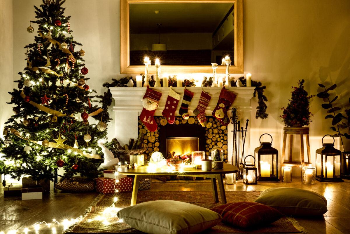 クリスマスは12月25日ではなかった? サンタやツリーの由来もご紹介!