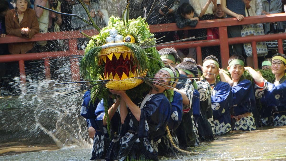 「間々田のジャガマイタ」池に飛び込む竜の音 観光経済新聞