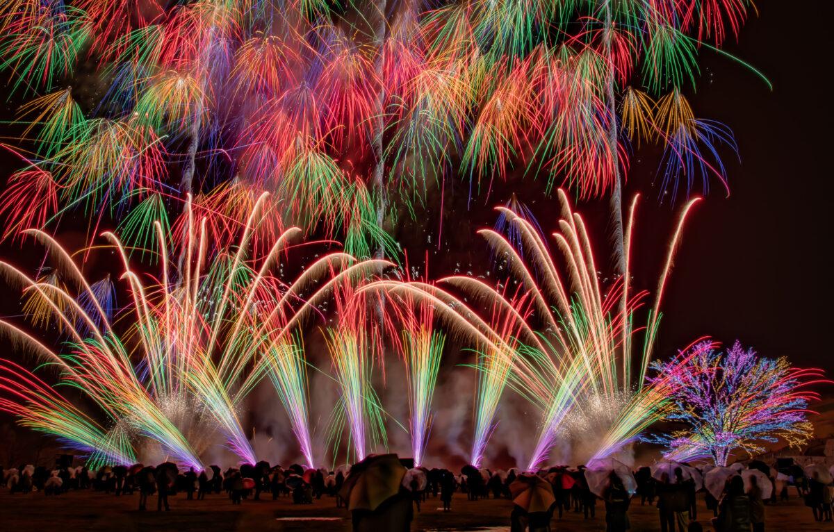 長岡花火ウィンターファンタジー2020で体感!「冬花火」の特別な魔法とは?
