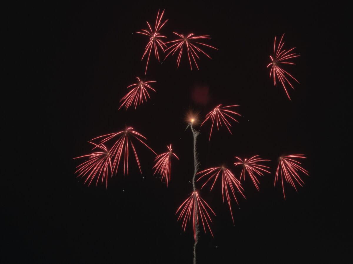 「除夜の花火」に願いを込めて 〜雪の新潟、心温かな町の花火〜