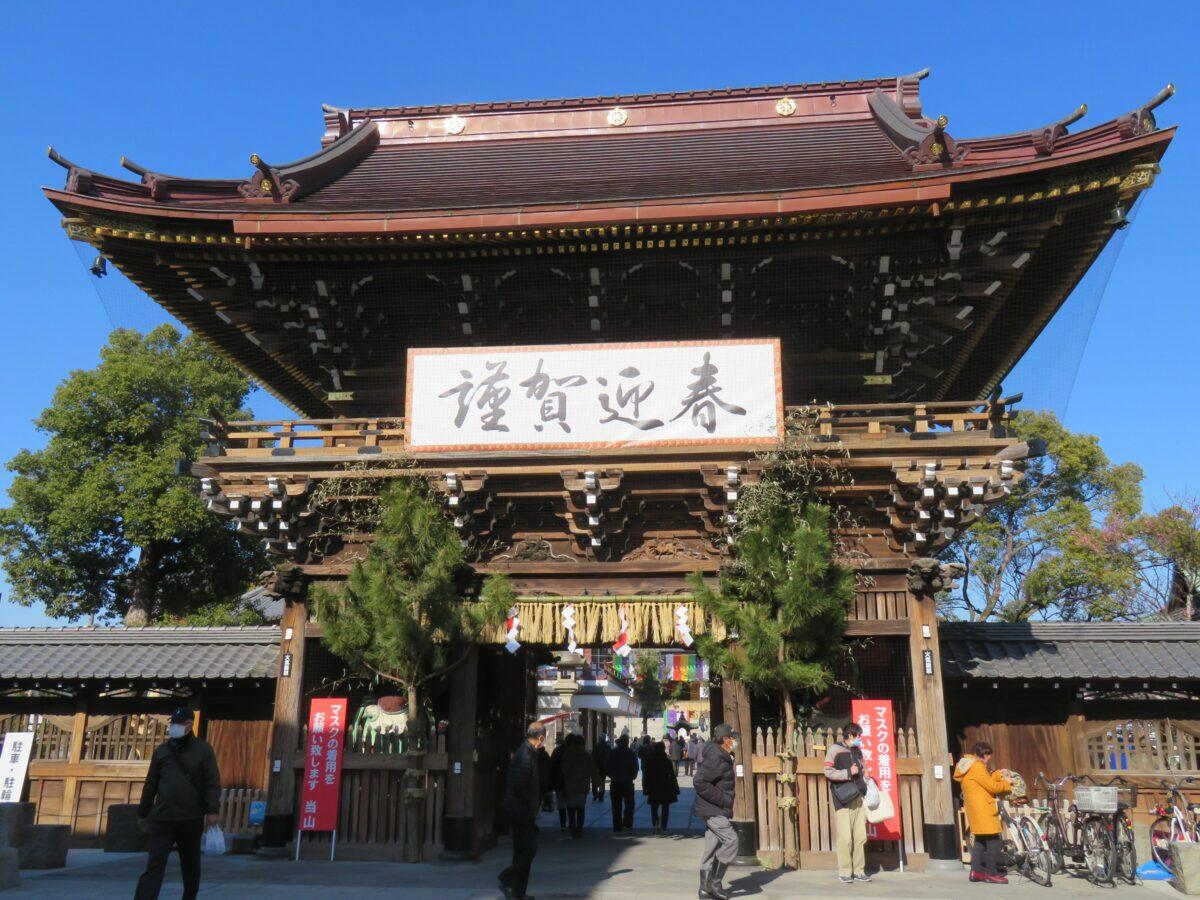 【西新井大師・初大師】露店が境内の内外に溢れる新年最初の弘法大師の縁日