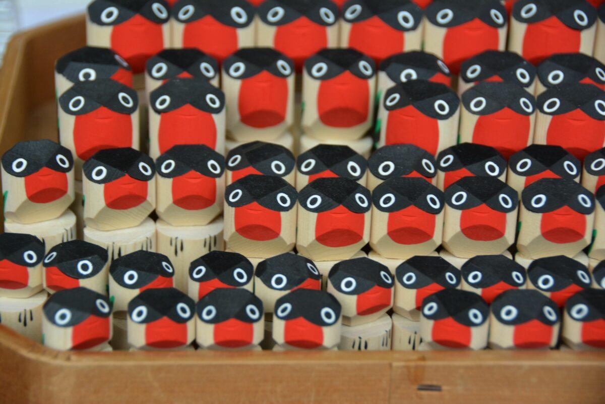 【亀戸天神社うそ替え神事】幸運招く鳥ウソの木彫り像を交換し祈る新年の吉