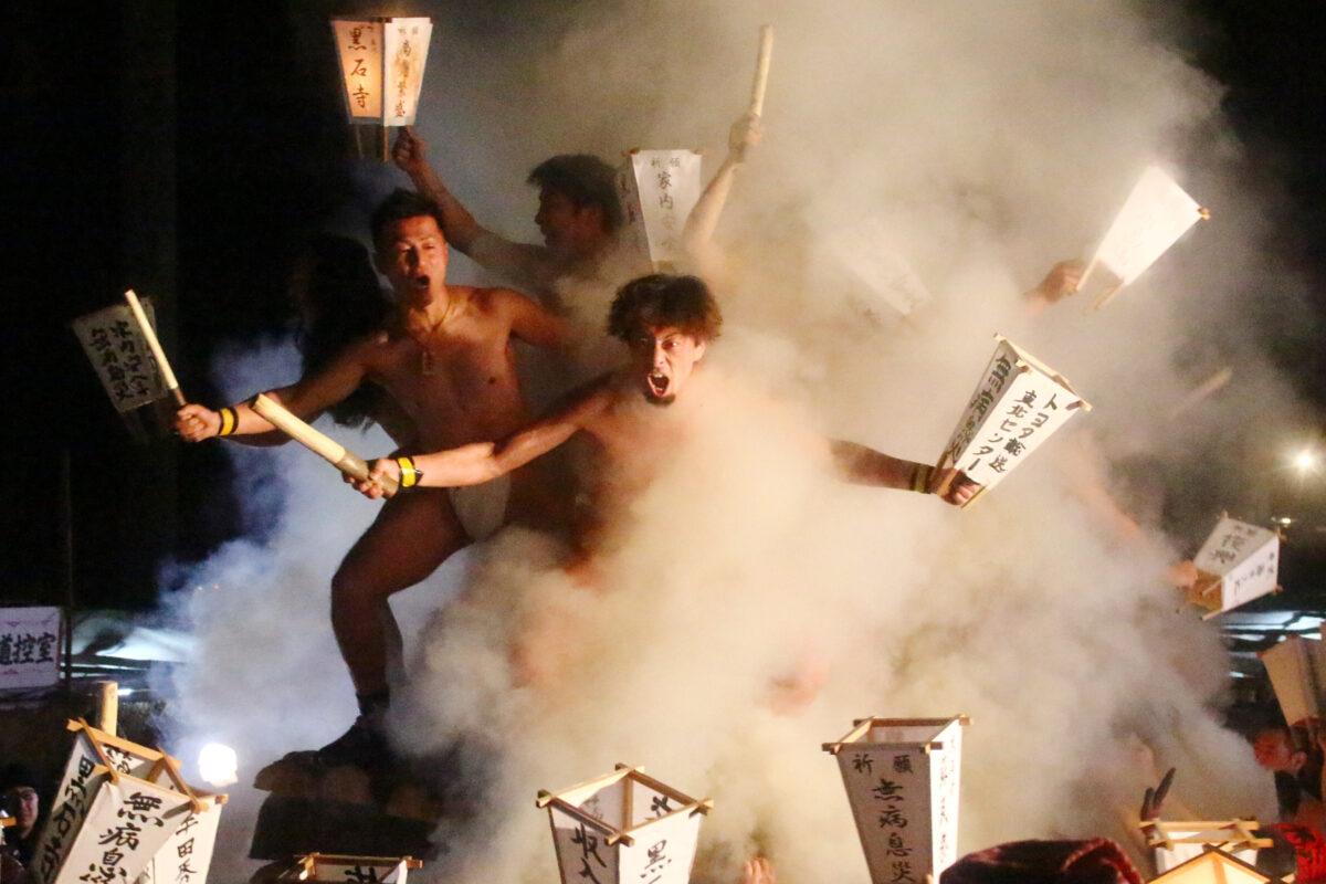 黒石寺蘇民祭を体感せよ!奇祭の中の奇祭を、極寒の1月に夜通しレポート!