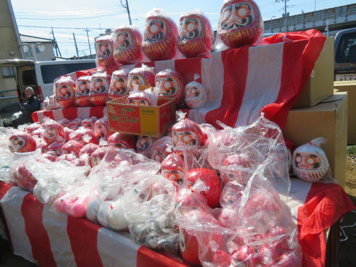 【加倉のだるま市】人形のまち岩槻でおひな様とともに親しまれる縁起物