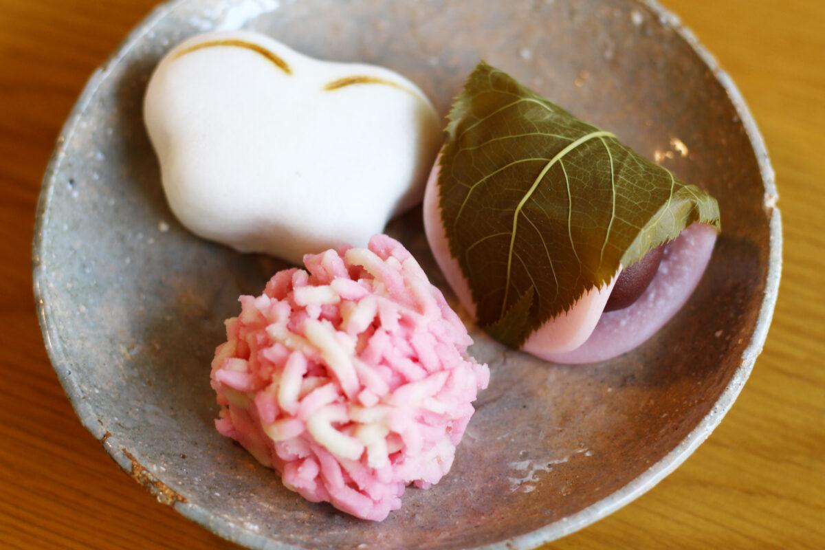 とらやは桜の季節に合わせたかわいい生菓子がたくさん!見て、食べて嬉しい