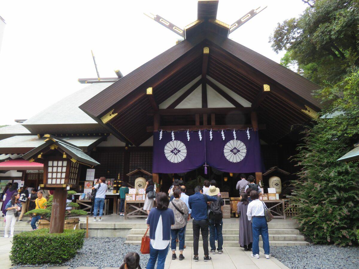 東京大神宮は恋愛成就のパワースポット!御朱印を手に神門や拝殿のハートマークを探そう