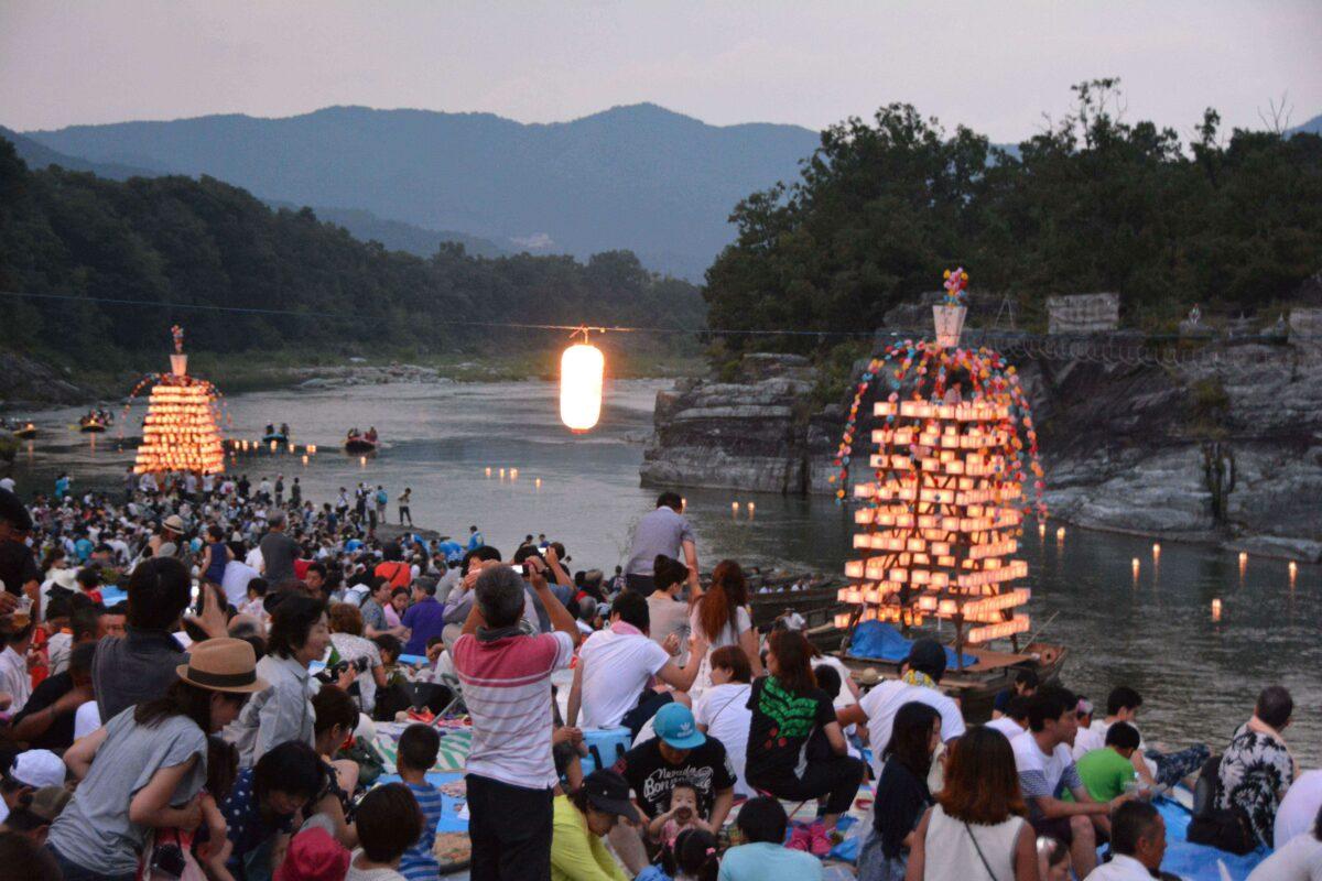【宝登山神社】御朱印、初詣、桜、船玉祭、紅葉の四季の楽しみが溢れる長瀞の神社