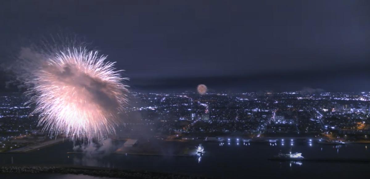 ⽇本初、13ヶ所同時花⽕を12機のドローンで空撮 花火大会「ONE TEAM YAIZU」の映像を公開