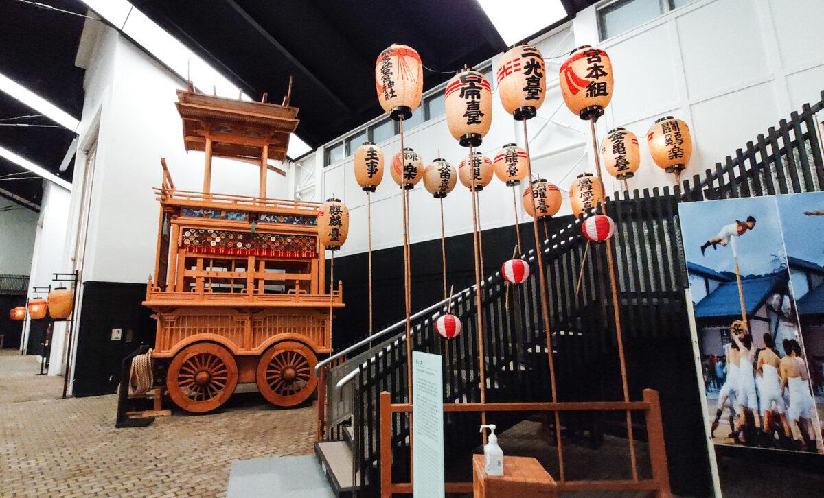 迫力ある屋台や起こし太鼓!飛騨古川まつり会館でお祭り気分を味わう