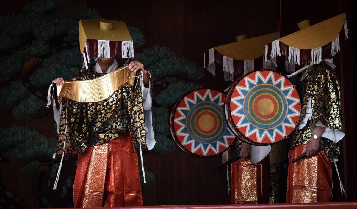 浅草・三社祭でびんざさら舞を開催!日本古来より伝わる華麗な田楽の舞い