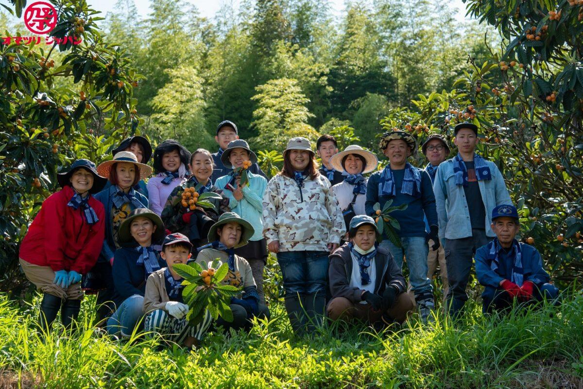 筒井時正玩具花火製造所が関わる「びわプロジェクト」(福岡県みやま市)初収穫の様子をレポートしました