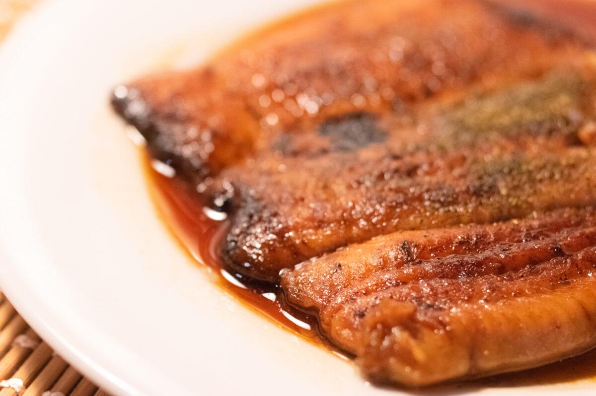 高級スーパー「成城石井」の国産手焼うなぎ蒲焼を実食レポ!そのお味は?