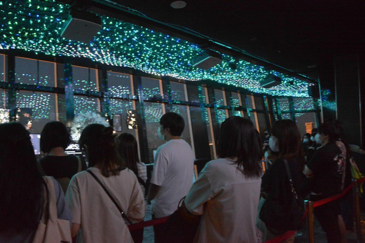 東京タワー天の川イルミネーションが開催中!夏の夜空を宇宙遊泳